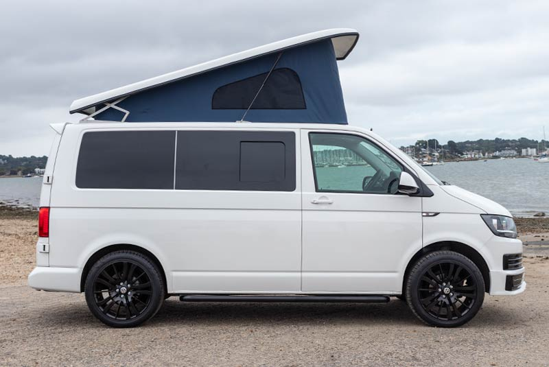 VW Transporter T6 140bhp Camper SWB - Right Side Roof Up
